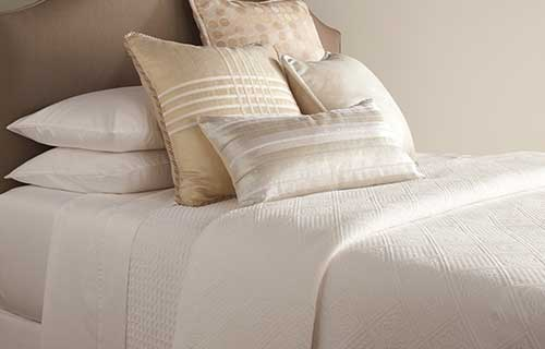 Mateo pillow pack with Matelasse linens