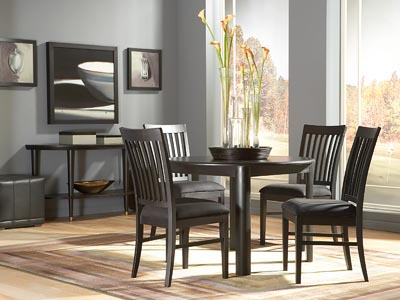 Rent the Eclipse Round Dining Table