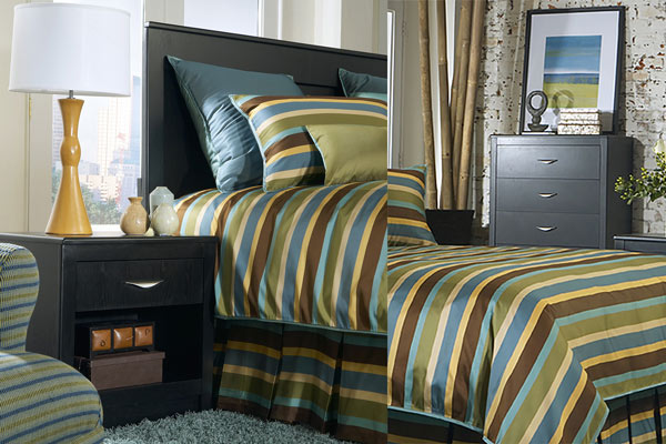 Rent the Eclipse Nightstand & Chest of Drawers Set